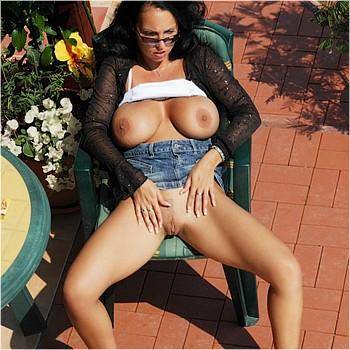LauraLion_photos