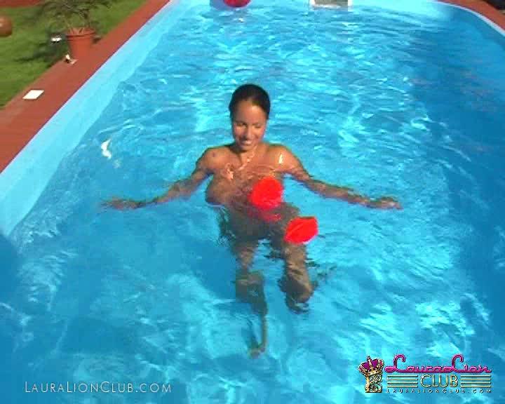 LauraLion_video